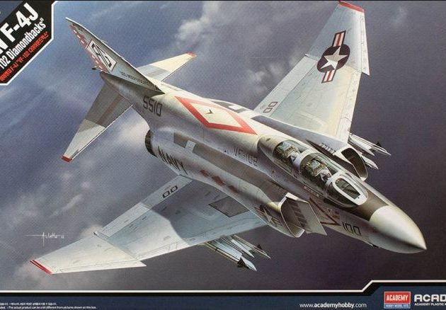 Academy 12323 F-4J VF-102 DIAMONDBACKS