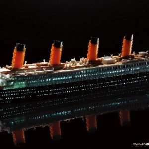 ACADEMY 14220 R.M.S. TITANIC + Led Set Multi Color Parts