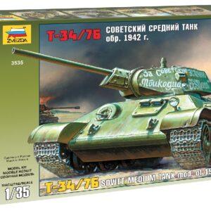 ZVEZDA 3535 T-34/76 Soviet Tank Mod.1942