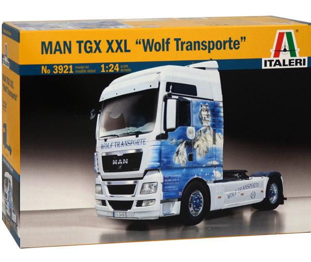 "Italeri 3921 MAN TGX XXL ""Wolf Transporte"" include sup"