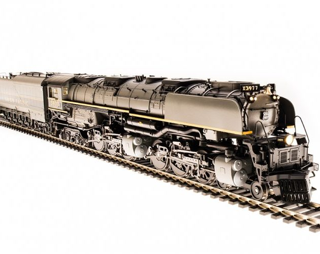 Broadway_Limited 4983 UP Challenger 4-6-6-4 #3982 Two-tone Gray Paint Oil Tender