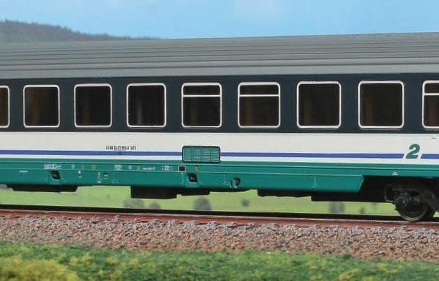 Acme 50794 Carrozza passeggeri FS 61 83 22-72 952-5