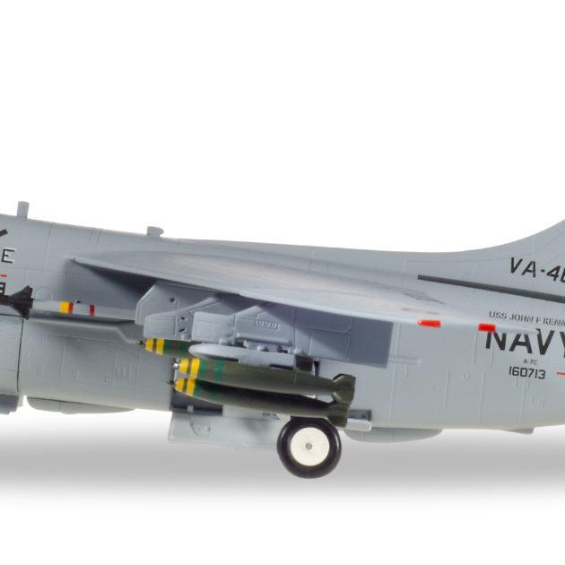 Herpa 580175 Vought A.7E Corsair II  U.S.Navy VA-46 Modellismo