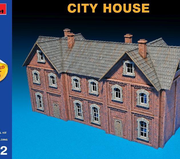 MINIART 72030 City House  Multi Colored Kit