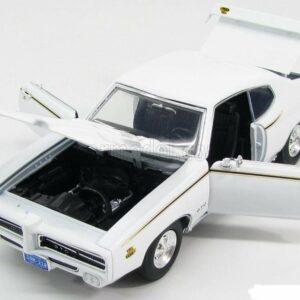 MotorMax 73133WH 1969 Pontiac GTO the Judge