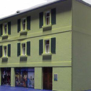 Modellismo - Casetta 2 piani con negozi scala H0 art.E003