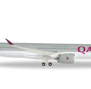 Herpa 531993 Boeing 747-8F Qatar Airways Cargo