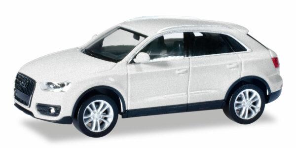 Herpa 034821-004 Audi Q3 metal. cuvée silver
