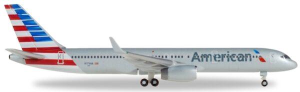 Herpa 530125 Boeing 757-200F - N179AA