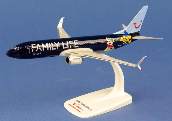 """Herpa 611145 Boeing 737-800 Jetairfly """"Family live hotels"""""""