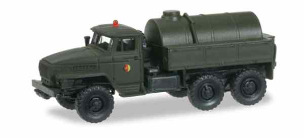 "Herpa 745062 Ural cisterna LKW ""NVA"""