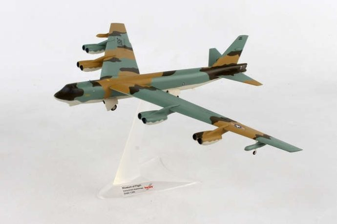 Herpa 559294 BOEING B-52G STRATOFORTRESS U.S. AIR FORCE