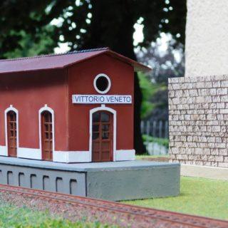 Magic-Train E004 Piccolo magazzino ferroviario «Vittorio Veneto»