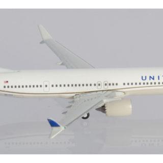 Herpa 533416 BOEING 737 MAX 9-N67501 UNITED AIRLINES