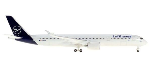 """Herpa 532983-001 Airbus A350-900 Lufthansa  """"Schwerin"""""""