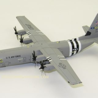 Herpa 570541 Lockeed C-130j-30 Super Hercules U.S.Force